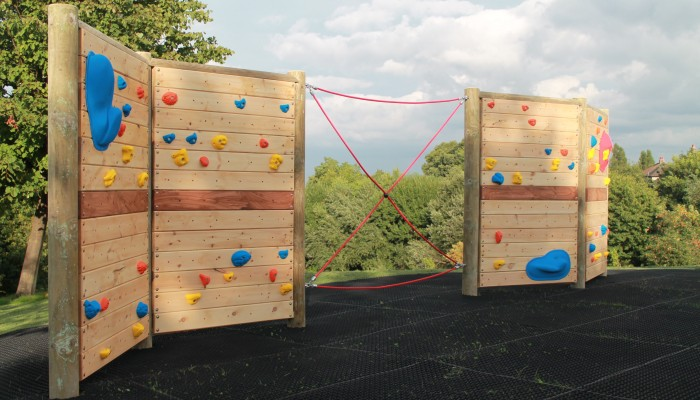 Climbing Wall with rope link
