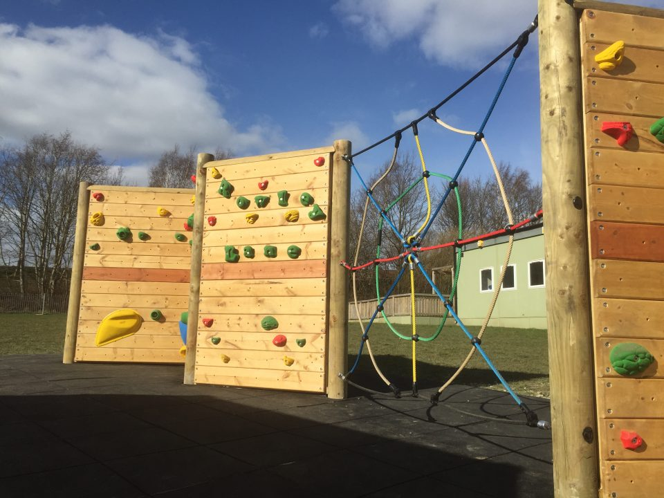 "<b>Freestanding Climbing Walls</b> - More than 60 installed UK wide - <a href=""climbing-walls/freestanding-climbing-walls/"" target=""_blank"">Details</a> - <a href=""wp-content/uploads/2015/03/Free_Standing_Traverse_Double_Sided.pdf"" target=""_blank"">Pricing</a>"